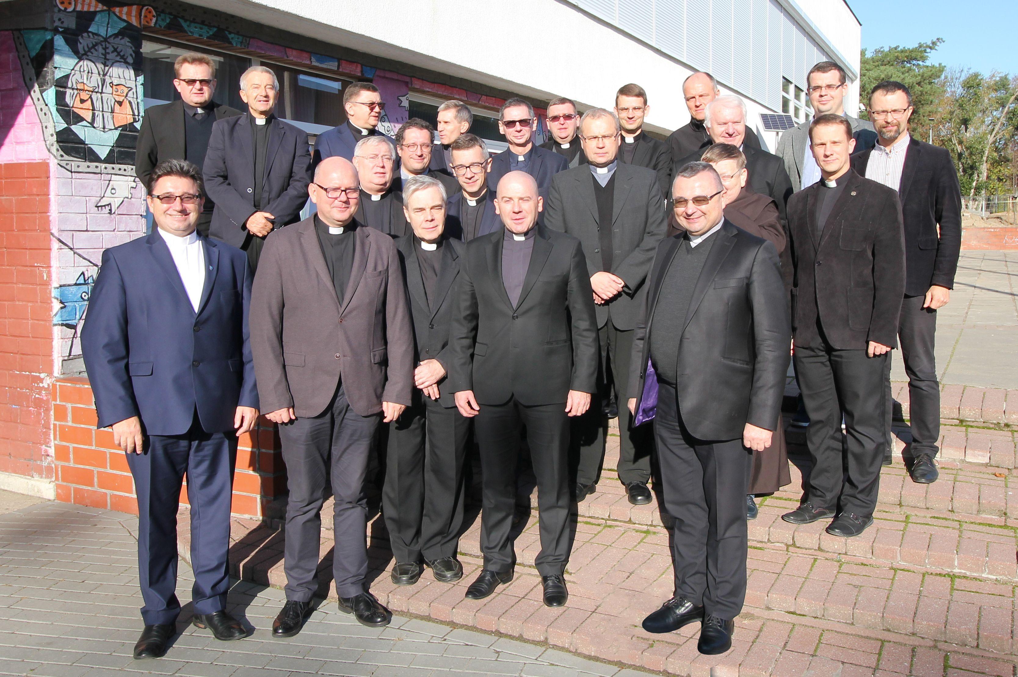 https://www.teologia.umk.pl/panel/wp-content/uploads/Rada-Dyscypliny-WT-04-extra.jpg